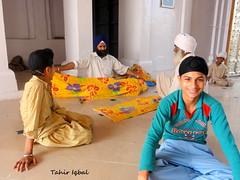 Sikh Sewic At Gurdwara Janam Asthan Nankana Sahib West Punjab (Tahir Iqbal (Over 52,50,000 Visits, Thank You)) Tags: pakistan 1984 sikh gurdwara punjab kirtan gurudwara sikhism singh khalsa sardar gurus sangat sikhi nankanasahib bhagatsingh sikhhistory partition1984
