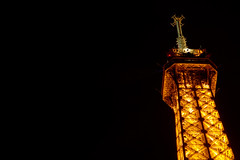 Antenna atop the Eiffel Tower (ceronne) Tags: black paris tower luz television night radio tv torre eiffel antena feed antenna parigi lutecia