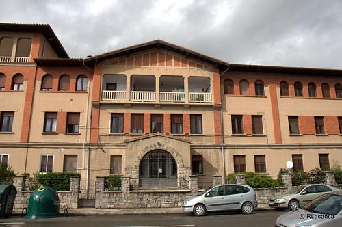 Edificio del albergue de transeuntes de las Damas Apostólicas en la calle González Tablas