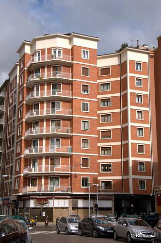 Edificios de viviendas en la calle Bergamín