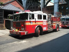 FDNY - Engine 262 - 7-20-11 (FDNY8231) Tags: new york city nyc rescue usa ny tower truck fire 1 4 rear 911 engine nypd aerial mount company mat ferrara ladder emergency firefighter 54 fdny department siren tiller dept seagrave response haz kfd responding code3 sfb mcfd ctfd hd77
