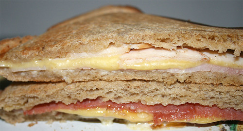 Sandwichtoast - Ham, gouda & turkey breast / Salami, gouda, ham