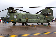 D-106 BOEING-VERTOL CH-47D CHINOOK M4106 - 170711 - fairford - Alan Gray -IMG_9440