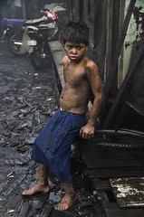 Joshua (Mio Cade) Tags: boy work kid education factory child mud joshua philippines dirty charcoal manila tondo
