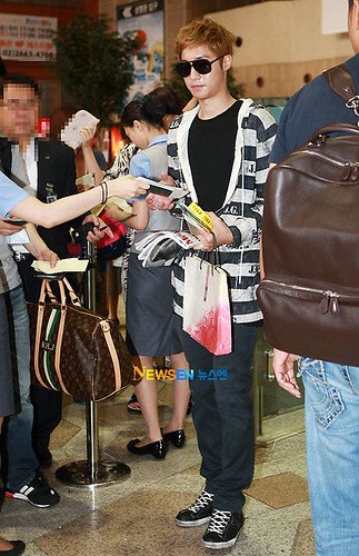 Kim Hyun Joong at Gimpo Airport [110728]