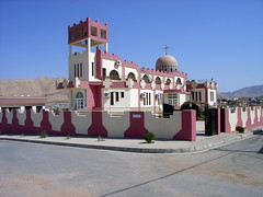 "Neue Kirche in Dohuk • <a style=""font-size:0.8em;"" href=""http://www.flickr.com/photos/65713616@N03/5998084494/"" target=""_blank"">View on Flickr</a>"