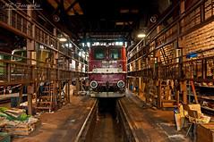 inside the enginehouse at DB Museum Halle (MR-Fotografie) Tags: museum nikon flickr br dr db estrellas nikkor halle 1870mm deutsche sommerfest 211 hallesaale 2011 d90 reichsbahn baureihe holzroller mrfotografie