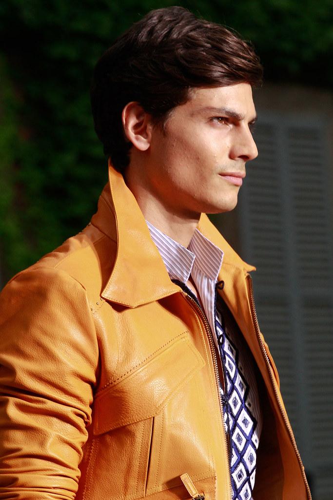 Javier de Miguel3061_SS12 Milan Roberto Cavalli(VOGUEcom)