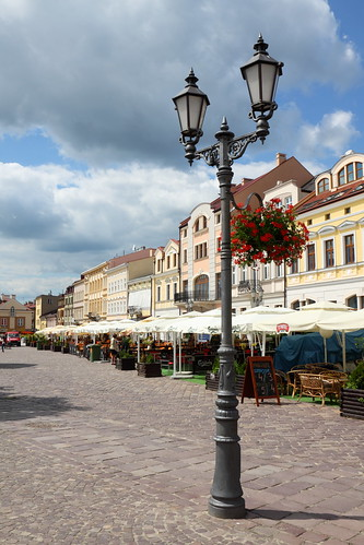 The main square in Rzeszow by feradz