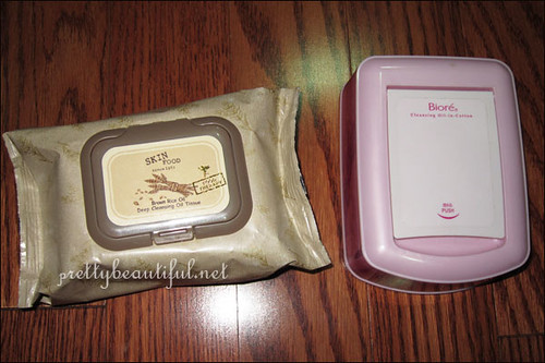 Skinfood Cleansing Oil Wipes vs Biore