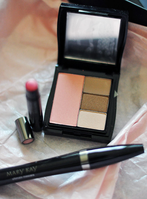 Mary Kay eyeshadow and blush