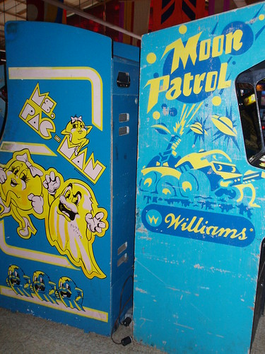 ms pacman and moon patrol machines, kennywood