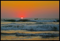 Goa sunset. (konstantynowicz) Tags: sunset sea india coast waves tide goa baga doublyniceshot mygearandme mygearandmepremium mygearandmebronze mygearandmesilver mygearandmegold