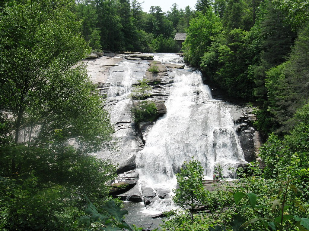 Best Waterfalls in North Carolina, Waterfalls in South Carolina