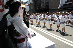Geiko in the festival (Teruhide Tomori) Tags: travel festival japan kyoto traditional event geiko     gionmatsuri        yamaboko ichiteru