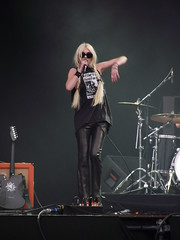 DSCF3560 (warrmr) Tags: music photography boobs donnington download nippletape boobslip taylormomsen theprettyreckless download2011 thegossipgirl taylormomsennipple