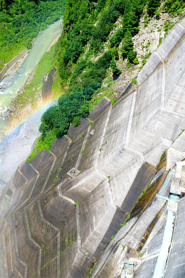 黒部ダム|富山県立山町