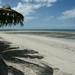 Praia frente ao acampamento em Dar es Salaam