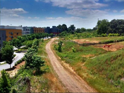 beginning trail construction on the BeltLine (by: Angel Luis Poventud)