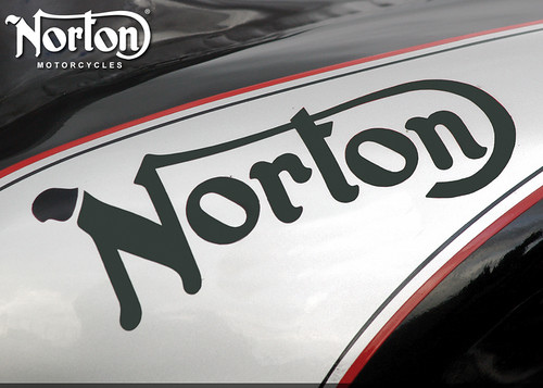 Norton%20Tank%201152x864-5