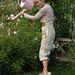Garden-Girl-Fil-Roses-Roses