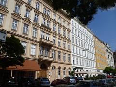 Wien, 1. Bezirk (l'arte delle facciate di Vienna) - Rudolfsplatz (Josef Lex (El buen soldado Švejk)) Tags: rudolfsplatz