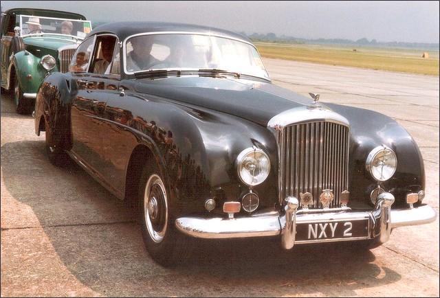england 1984 duxford pentaxmesuper cambridgeshire 1953 bentleyrtypecontinental rollsroyce80thanniversary nxy2 chassisbc22b