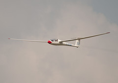 Peter Stafford-Allen_Ventus 16.6m_333_G-DFAW_Bicester Regional Gliding Competition_20110728_0157 (Ron Smith Photography) Tags: aviation landing 333 gliding glider takeoff bga aerotow airplanephotography aviationphotography aviationphotos aviationimages schempphirth glidingphotos finalglide aviationpictures glidingcompetition peterstaffordallen bicesterregionalglidingcompetition2011 bicesterregionals2011 ventus166 gdfaw britishglidingassociation britishgliding glidingphotography gliderphotography glidingpictures glidingimages