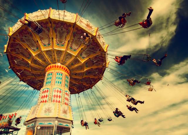 carousel+sky