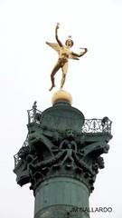 Paris - La columna de Julio (Polycarpio) Tags: poly gallardo polycarpio fotosdeparis jmgallardo fotosdefrancia juanmanuelgallardo polygallardo juanmgallardo