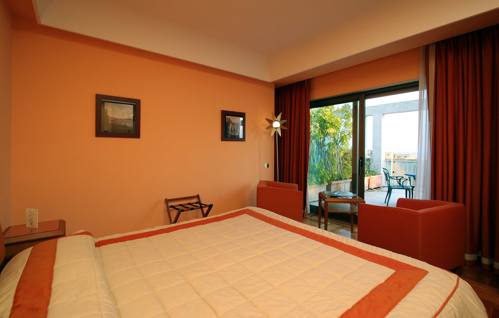 Royal Group Hotels & Resorts - The Executive Room of the hotel Royal Continental of Naples