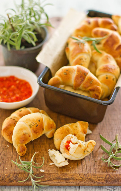 2 Sipsandspoonfuls-Rosemary Crescent Croissant Bread Rolls Chili Paste Ch Idea