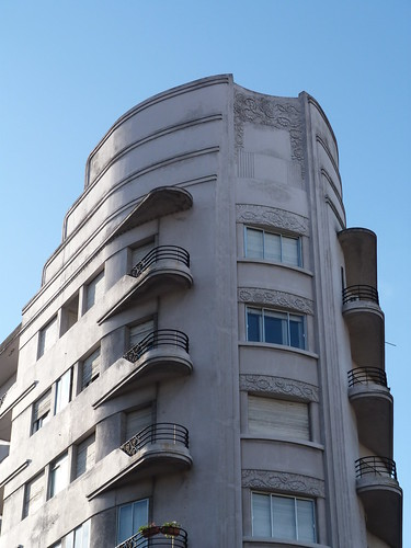 Edificio Lux, Montevideo