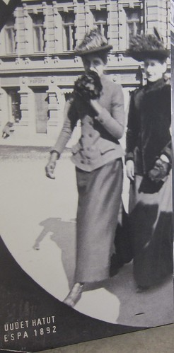 Muotia vuonna 1892 Esplanadilla by Anna Amnell