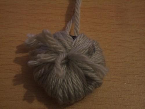 Making a pompom
