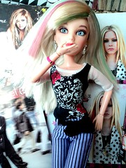 I Can do Better (gaby.dolls) Tags: pink green rock doll sophie pop blonde liv boneca avril whatthehell loira lavigne icandobetter lavgnia