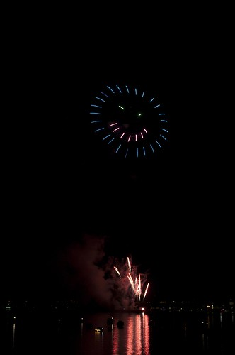 11-FireworksRedBank-5742