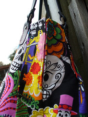 side of Calaveras handbag (SewHappyGeek) Tags: diadelosmuertos calaveras pleatedhandbag alexanderhenryfabric