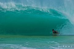 (j . f o o j) Tags: hawaii nikon d70 oahu f28 sandys bodyboarding sandybeach 80200mm shorebreak southswell thickwaves