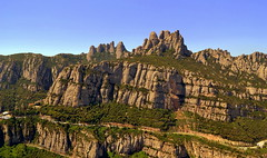 Montserrat, (Angela Llop) Tags: spain day catalonia clear montserrat elbages wlees510139