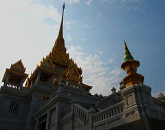 Wat Traimit, Bangkok (PeterCH51) Tags: thailand temple asia southeastasia bangkok wat wattraimit mywinners flickraward earthasia totallythailand peterch51