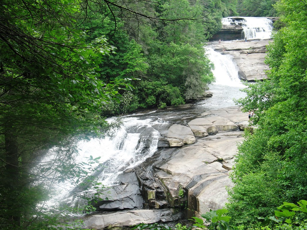5942644652 716416cfb8 b Photo Essay: 11 Wonderous Waterfalls of the Western Carolinas