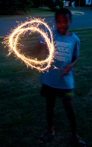 16 Simel with sparkler