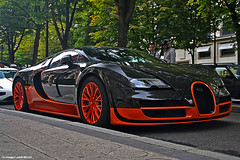 Bugatti Veyron Super Sport  World Record Edition  N00/05 (Fast-Auto.fr) Tags: world show paris france sexy cars sports sport race canon volkswagen eos photo triangle europe track tour 5 or ss fast super eiffel voiture prix prototype alsace record salon capitale 407  dor t edition bugatti 19 rare serie 1000 veron toiles voitures exotics supercars veyron supersport prs bugati  rapide exemplaires plazza riche 431 spcial 2011 athenee 072 july22 molsheim spciale quatar vainqueur 1000d supersportives n0005 431072
