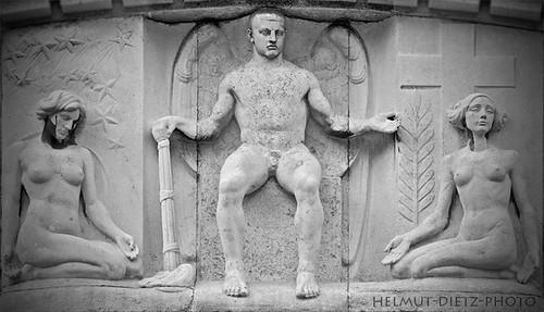 Hans Perathoner Figurengruppe, Sennefriedhof Bielefeld