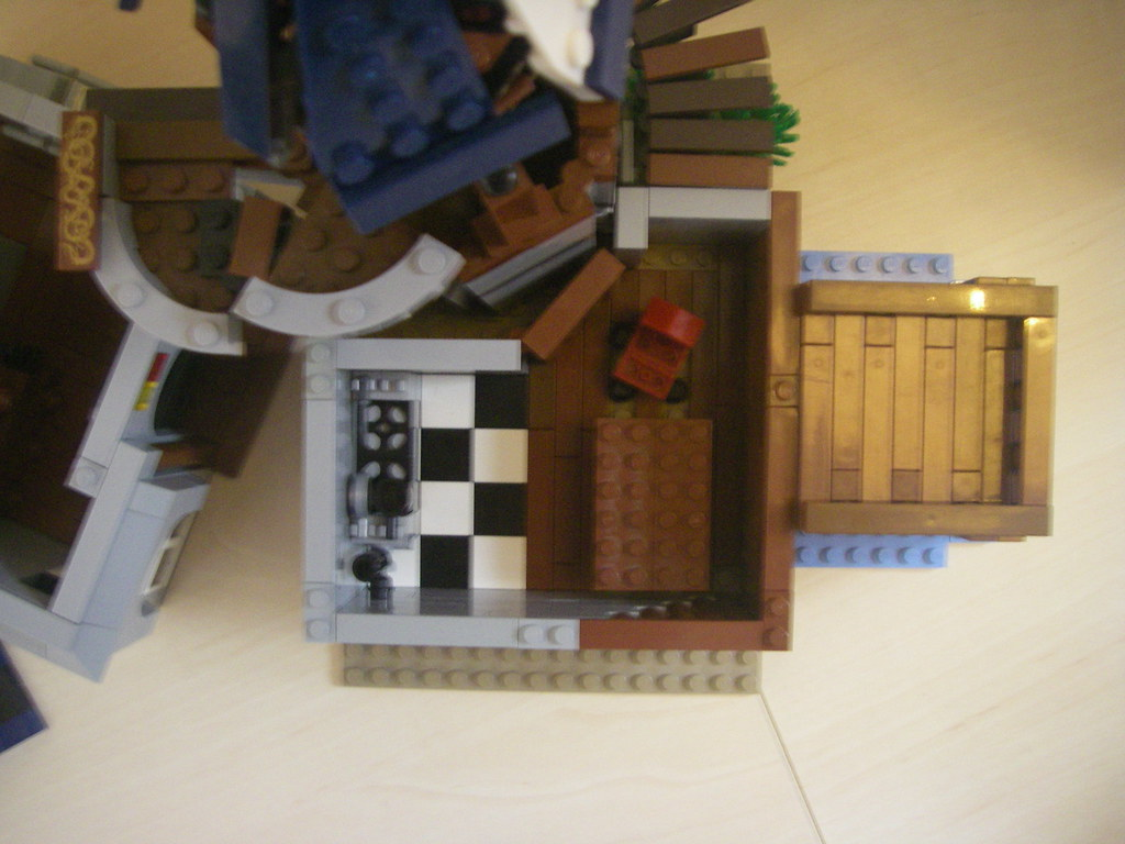 Castlepunk House (08)