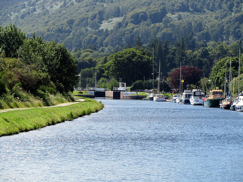 Approaching Dochgarroch Lock on the Caledonian Canal