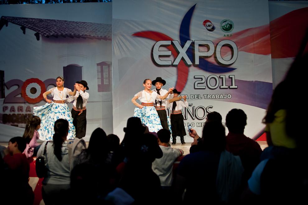 Durante los 16 días de la Expo 2011, diversos artistas de gran nivel deleitaron al público asistente con numerosos cuadros de danza y música donde resaltaron su destreza y talento. (Elton Núñez)