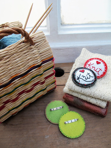 knit pins by jubela