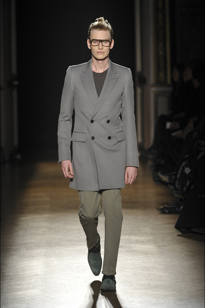 Gerhard Freidl3255_FW11_Paris_Smalto(Simply Male Models)